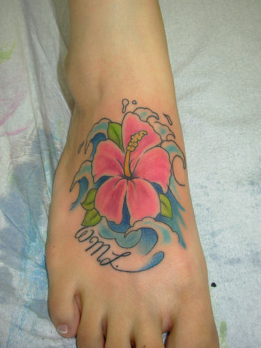 hawaiian turtle n flowers tattoo design. Black Bedroom Furniture Sets. Home Design Ideas