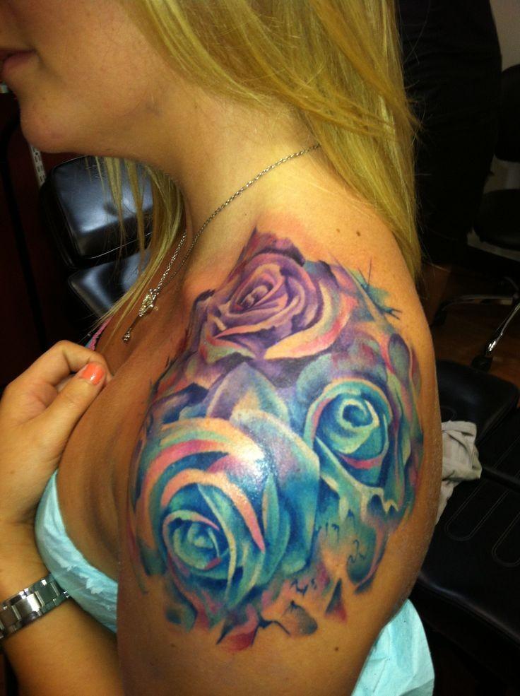 Татуировка на плече роза