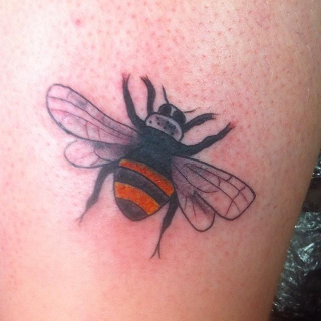 Awful Elegant Bee Tattoo Design