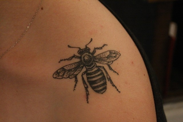 These are some of the bee tattoos I have seen lately that I have loved for their strong black and white line.