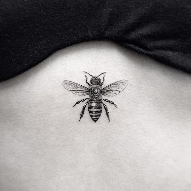 actual queen bee size.