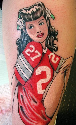 Probably the coolest pin-up girl tattoo I have seen in a LONG time!