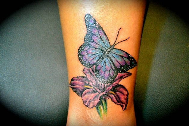 3D Hummingbird Tattoo On Belly photo - 1