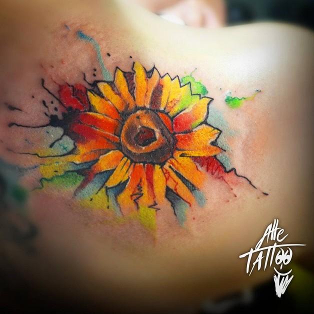 Amazing Bee & Flower Tattoo Design photo - 1