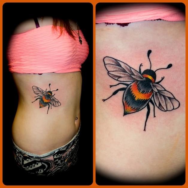 Beautiful Flowers & Bee Tattoo On Foot photo - 1
