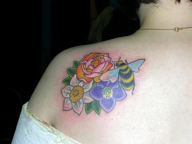 Bee & Flower Tattoo On Shoulder Back photo - 1