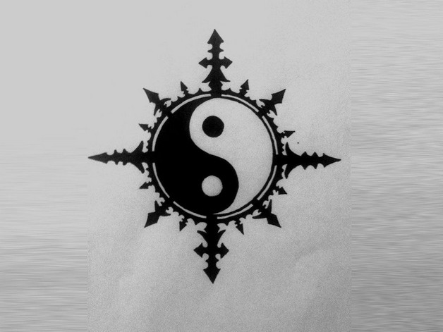 Clovers In Ying Yang Tattoo Design photo - 1