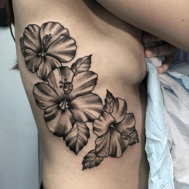 Flower Tattoo For Women On Back photo - 1