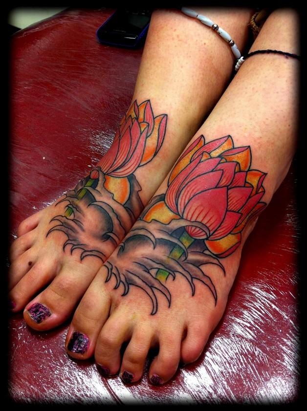 Flowers Tattoo On Foot photo - 1