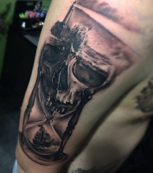Hour Glass Skull Tattoos photo - 1