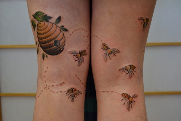 Lovely Bee Tattoo Design photo - 1