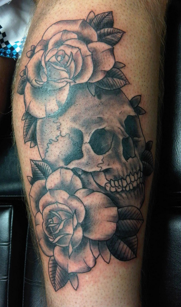 Mexican Skull And Roses Tattoo On Leg photo - 1
