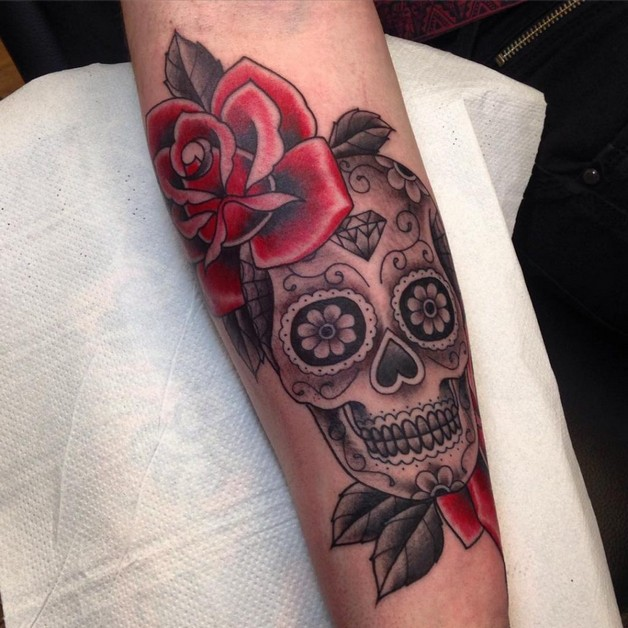 Mexican Sugar Skull And Roses Tattoo On Upper Back photo - 1