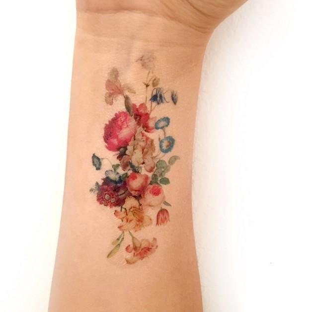 Popular Floral Tattoo Design photo - 1