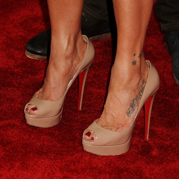 Queen Of Hearts Tattoo On The Foot photo - 1