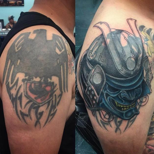 Red Eyes Eagle Tattoo Design photo - 1