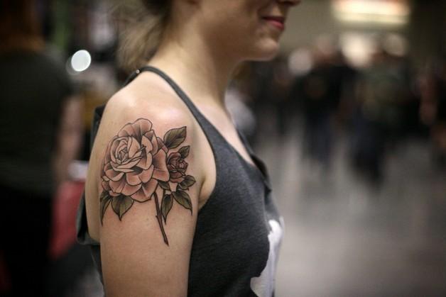 Rose Flower Tattoo On Back Of Shoulder photo - 1