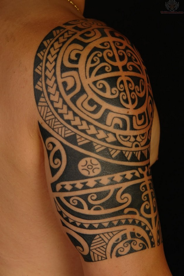 arabic tattoo with star on shoulder photo - 1