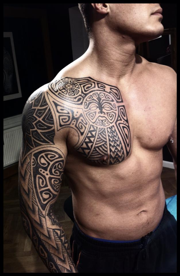 black ink dreamcatcher tattoo on waist photo - 1
