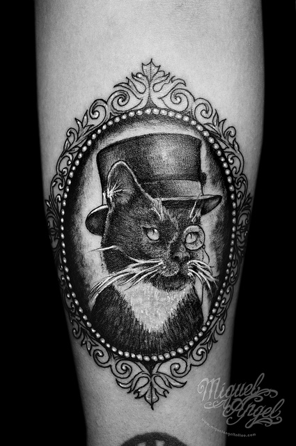 cat portrait frame tattoo photo - 1