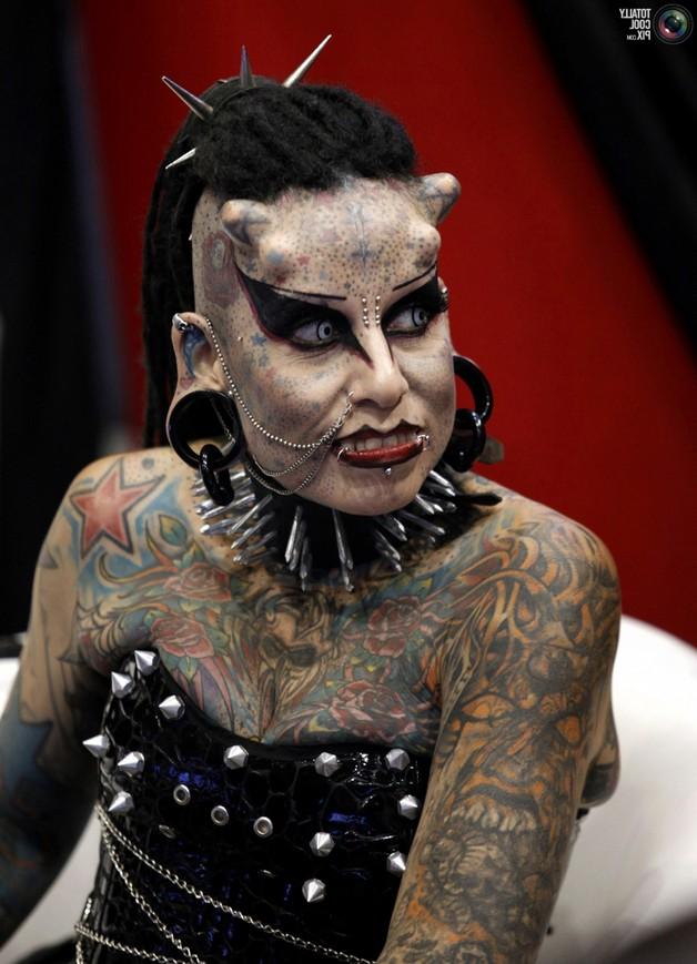extreme tattoo addiction for girls photo - 1
