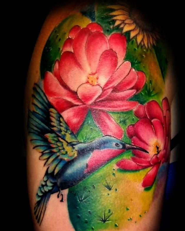 feminine birds tattoos on thigh photo - 1