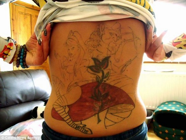 flowers tattoo on back body for girls photo - 2