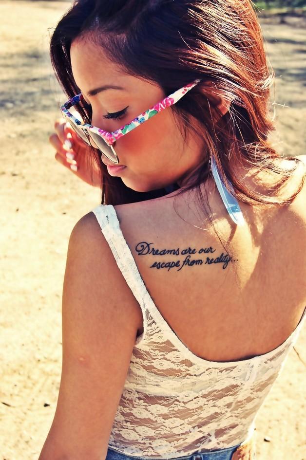 nice arabic words tattoo designs on back shoulder photo - 1