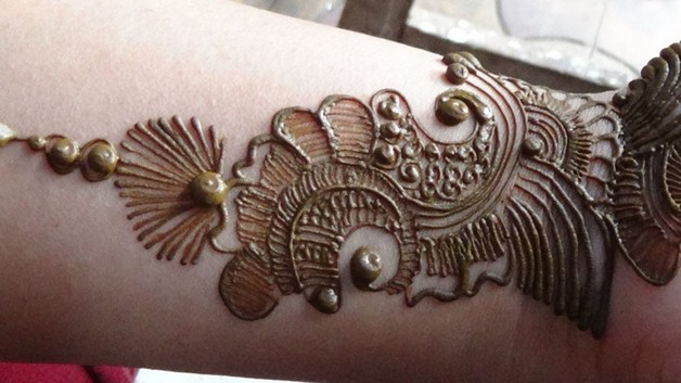 simple arabic tattoo design photo - 1