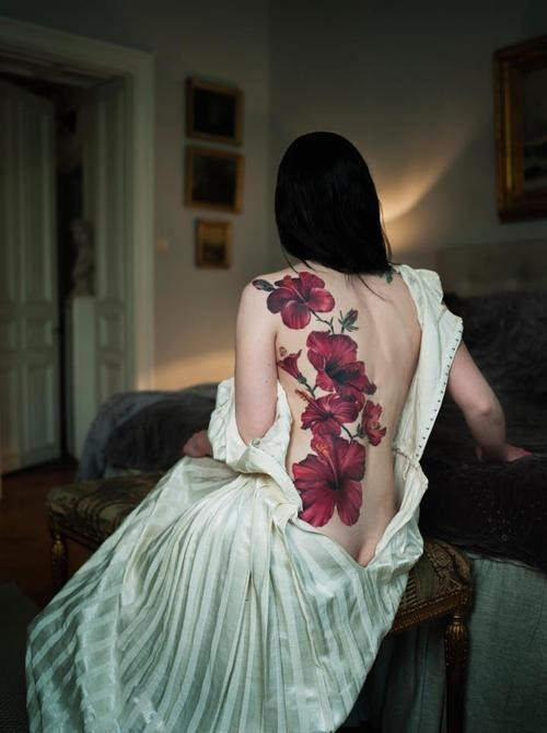 simple hibiscus flowers tattoo designs photo - 1