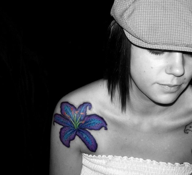 small blue hibiscus flowers tattoo design photo - 1