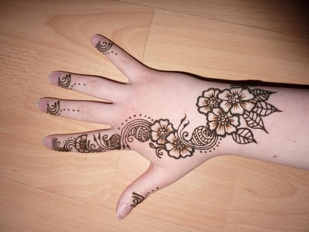 small wrist arabic tattoo photo - 1